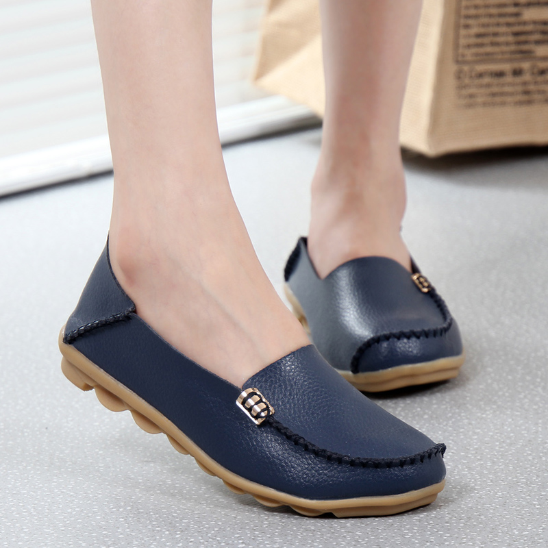 New Women Flats Genuine Leather shoes Flat Gommino Moccasin Loafers Casual Ladies Slip Cow Driving Boat Shoes 16 Colors footwear siketu best gift baby flats tassel soft sole cow leather shoes infant boy girl flats toddler moccasin bea6624