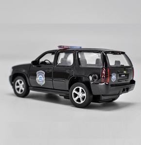 Image 2 - 1:36 높은 모조 합금 모델 자동차, 시보레 타호 당겨 금속 자동차 장난감, 2 오픈 도어 정적 모델 장난감 차량, 무료 배송