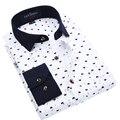 Primavera 2017 de La Moda Floral Slim fit hombres casual camisetas turn down collar de manga larga de lunares ropa masculina