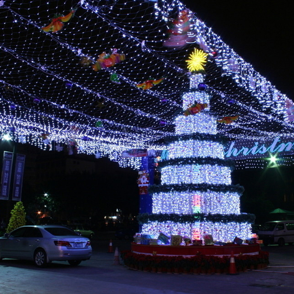 timeless design 009f2 8f1ef US $51.32 |110V US Power Plug Net Lights 672 LEDs 4 x 6m Net Lights Giant  fairy Christmas Decorate Light (White)-in Holiday Lighting from Lights & ...