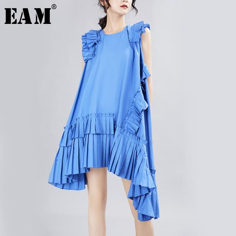 [EAM] 2020 New Spring Summer Round Neck Sleeveless Blue Irregular Ruffles Pleated Stitch Loose Dress Women Fashion Tide  JX338