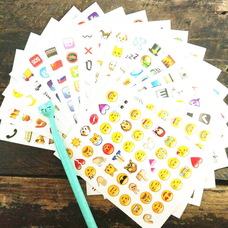 1pcs 48 Cut Cute Lovely classic Emoji Smile Stickers decal For laptop sticker Notebook Message mobile phone Funny toys 5 sheets cut sticker 48 emoji smile face stickers for notebook laptop message twitter large viny instagram