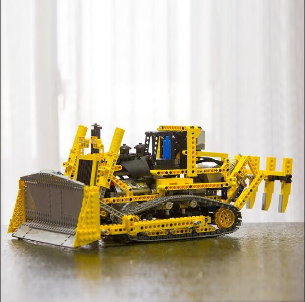 LEPIN 20008 technic series remote contro lthe bulldozer Model Assembling Building block Bricks kits Compatible with 42030 lepin 20008 technic series remote contro lthe bulldozer model assembling building block bricks kits compatible with 42030
