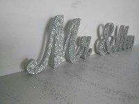 Livraison gratuite argent glitter m . mme Jin Seji signé bois PVC mot de mariage décorations chérie grande table