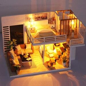 Image 5 - FAI DA TE Modello di Casa di Bambola In Miniatura Casa Delle Bambole con Mobili LED 3D Casa In Legno Giocattoli Per I Bambini Regalo di Artigianato Fatti A Mano