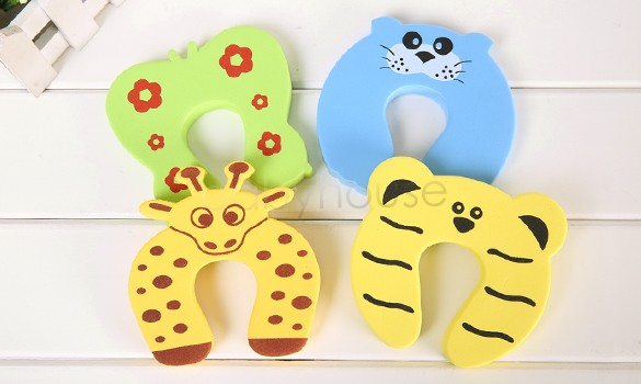 2014 New 4 Pcs/set Pack Baby Safety Animal Cartoon Jammers Door Stop Finger Pinch Guard Free Shipping 18 smiley face door window children safety lock band 2 pack set