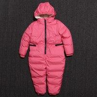 Малыши зимний комбинезон для маленьких мальчиков зимние комбинезоны теплые комбинезоны Куртка пуховик, 90% утиного пуха для девочек русский