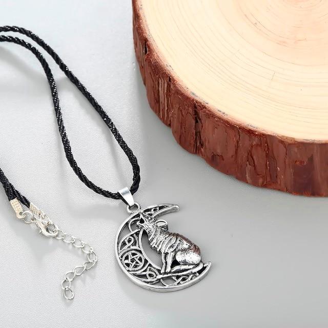 Collier loup lune celtique  5
