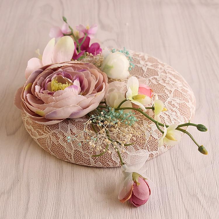 Kapelë dasmash prej liri rozë me dantellë - Aksesorë veshjesh - Foto 3
