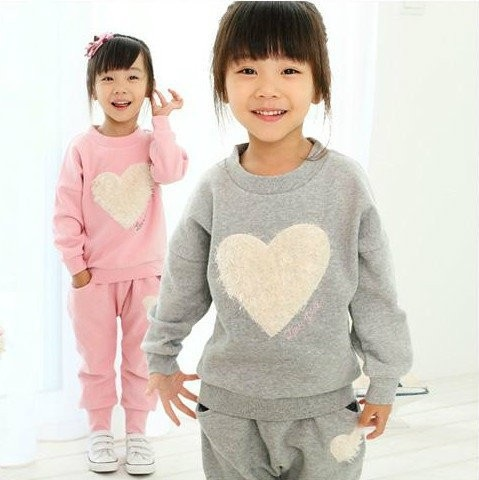 2016 Baby Girl Suits t-shirt + pants Clothing Set Children Sports Kids Pink Love Heart-shaped Gray Kids Clothes Leisure Sports