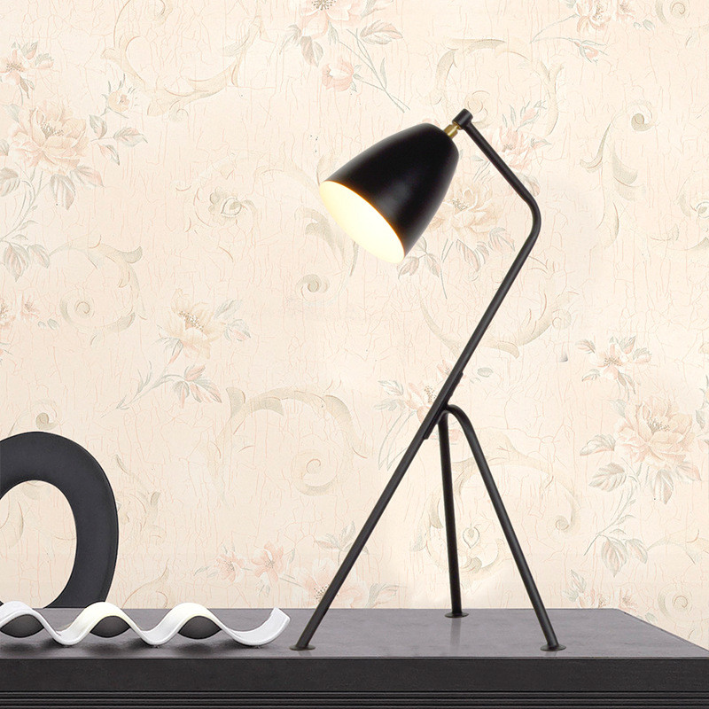 Nordic table light black and white modern minimalist trigeminal fashion study living room bedroom reading wrought iron table lamp