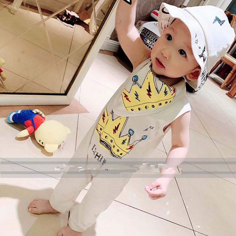 Babys cotton jumpsuit hat and bibBabys cotton jumpsuit hat and bib