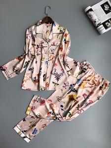Image 2 - Lisacmvpnel Lente Afdrukken Patroon Vrouwen Pyjama Mooie Rayon Nachtkleding Lange Mouw Broek Twee Papier Pak