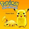 Cargador del banco de energía 10000 mah Pikachu Pokemon Adecuados para todos los teléfonos Pikachu Pokemon Juego Personalizado banco de la energía Con la Caja Al Por Menor p10