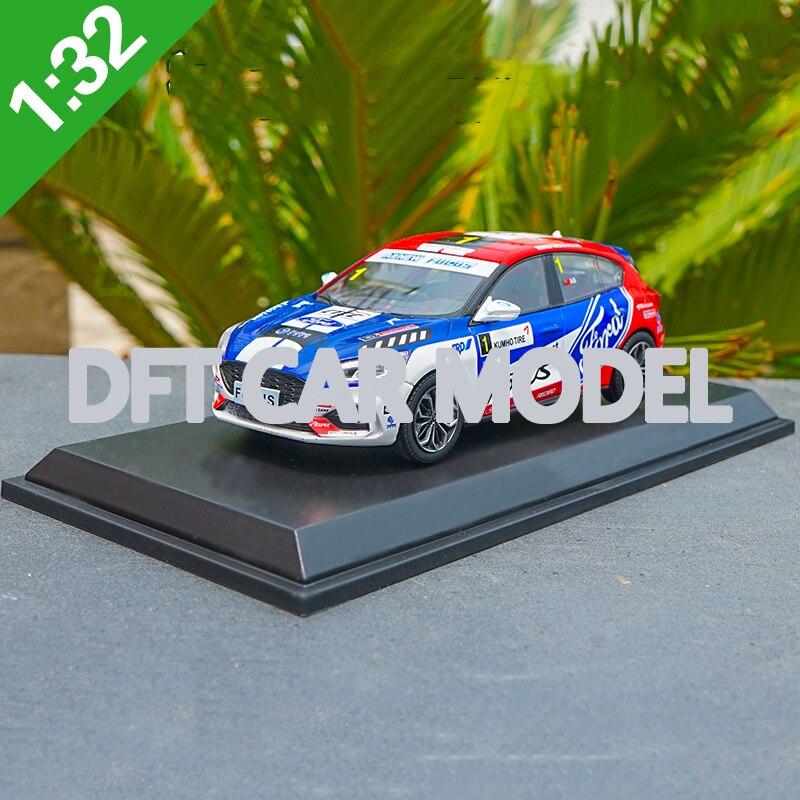 1:32 スケール合金玩具車フォーカス ST スポーツカーモデルの子供のおもちゃの車オリジナル認定本物の子供のおもちゃ  グループ上の おもちゃ & ホビー からの ダイキャスト & 車のオモチャ の中 1