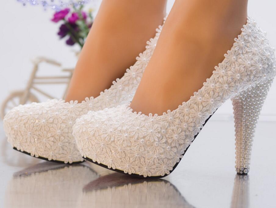 Romantique super hauts talons blanc dentelle chaussures de mariage femme HS081 dentelle perles brides pompes chaussures dame partie dîner robe chaussure-in Escarpins femme from Chaussures    1