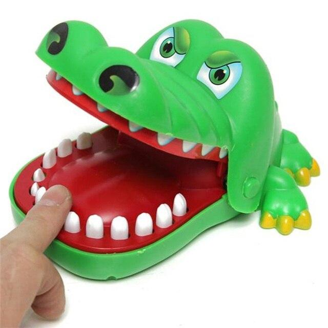 2019 la venta caliente nuevo creativo de tamaño pequeño de cocodrilo boca dentista mordida dedo juego divertido Gags juguetes para los niños jugar divertido