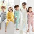 Quente 2-6A Bebê Pijamas Pijamas moda infantil Meninos Meninas Sleepwear de Manga Longa 100% Algodão Camisola Crianças Roupa Bebe Roupas
