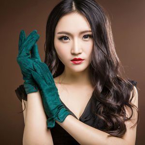 Image 4 - 2020 marca nova moda feminina genuína camurça couro luvas de lã inverno luvas de couro feminino senhora condução luvas de couro