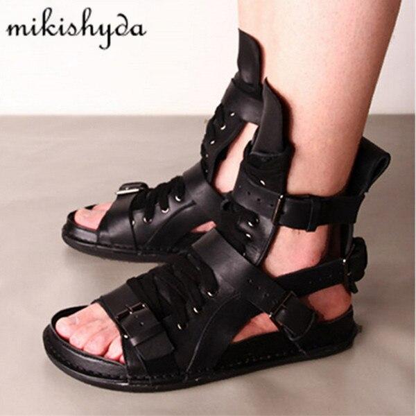 Mode D'été Hommes Sandales Punk Style Casual Chaussures Plates Gladiateur Romain Noir Mans Chaussures Appartements Plage Chaussures Sandalias Hombres