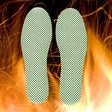1Pair Warm Reflexology Insoles Natural Tourmaline Self-heating Insoles Winter Soles For Footwear Heated Self-heating Insoles(China)