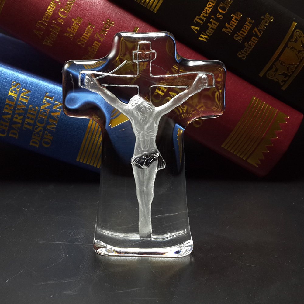 Црквени сувенири Стојећи оптички кристални распело Исус стакло 3д крст хришћанска декорација