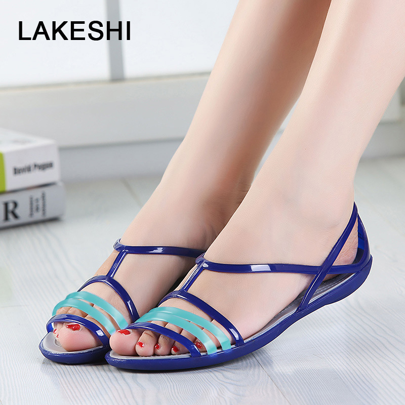 цена Candy Color Women Sandals Croc Jelly Shoes Summer Flat Sandals Mixed Colors Ladies Sandals 2018 Women Shoes Beach Flip Flops в интернет-магазинах