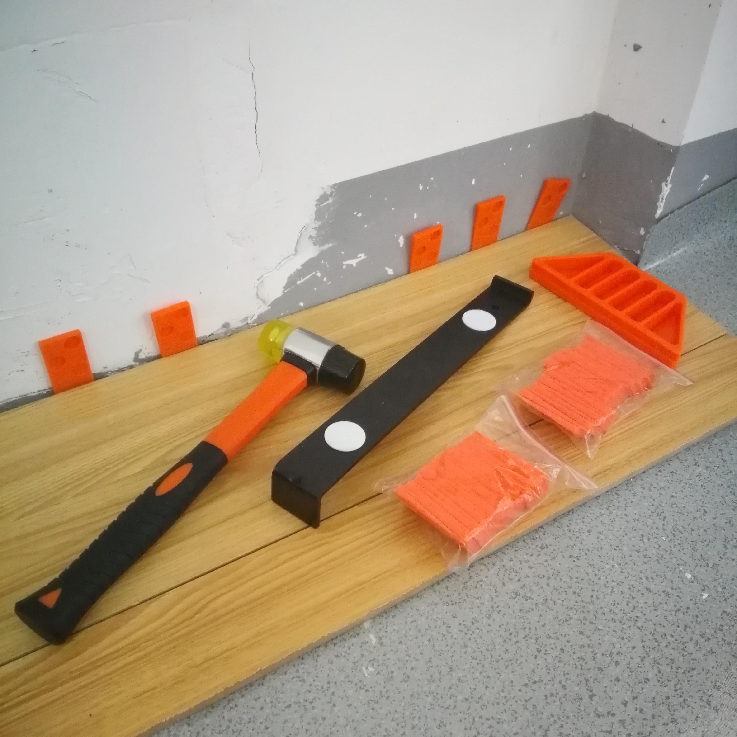 Купить с кэшбэком 43PC Laminate Wood Flooring Installation Kit with 40 Spacers Tapping Block Heavy Duty Pull Bar  Diameter 35mm Fiberglass Mallet