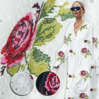 Fleurs creuses et brodées d'un côté, soie blanche, mélange de coton, couture pour chemise, blouse, robe, jupe, artisanat par la cour