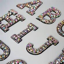 26 lettres de l'alphabet ABC en strass cousus sur des patchs, Badges brillants arc-en-ciel pour nom, décoration pour robe et Jeans à faire soi-même