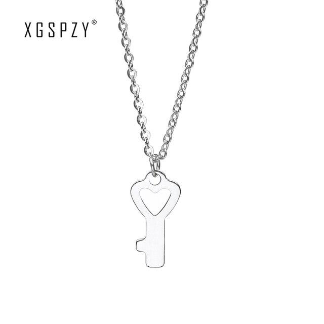 2cdbfd0d5c04 XGSPZY Exquisito Clave Colgante de Acero Inoxidable Collar Mujeres  Clavícula Cadena de Moda Accesorios de La