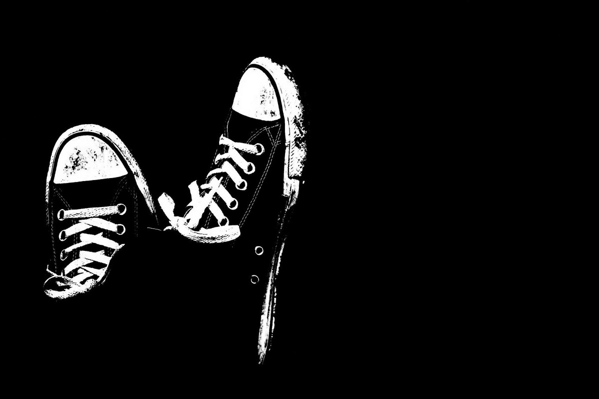 Fabric poster custom print black white artwork dirty sneakers tqt220 for wall art room decoration home decor frame available in painting calligraphy