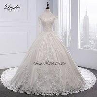 2018 New Arrival Classic Satin Liyuke O Neckline Ball Gown Luxury Hollow Embroidery Wedding Dress Chapel