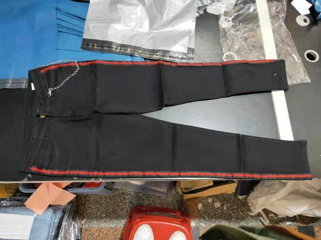 Mens Side Stripe Skinny Fit Black Denim Jeans Hip Hop Streetwear Solid Color Plus Size Slim Fit Lightweight Cotton Jeans for Men 6