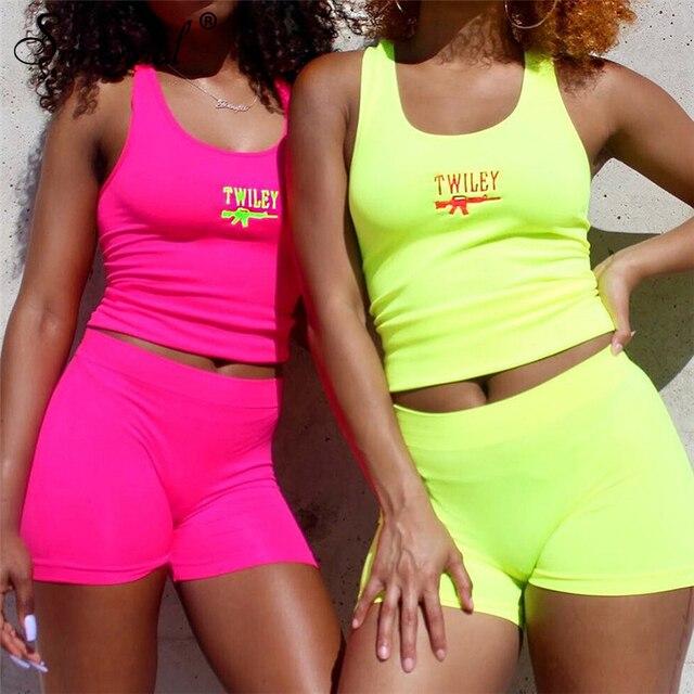 Simenual Lettera Del Ricamo 2 Piece Set Donne Casual Al Neon di Colore Tute di Estate Streetwear Crop Top E Shorts Set Modo Caldo 3