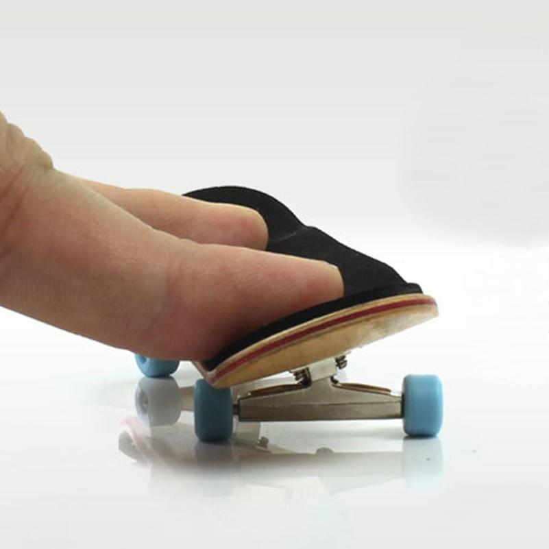 1 Set Wood Professional Fingerboard Toys Mini Finger Skateboard PU Non-slip Frosted Mat Finger Maple Skateboard Toy For Children