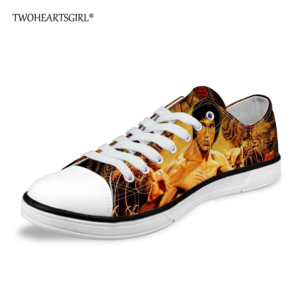 Schuhe Herrenschuhe Clever Twoheartsgirl Klassische Print Bruce Lee Low Top Leinwand Schuhe Personalisierte Männer Vulkanisieren Schuhe Freizeit Lace Up Leinwand Schuhe Komfort Gute QualitäT
