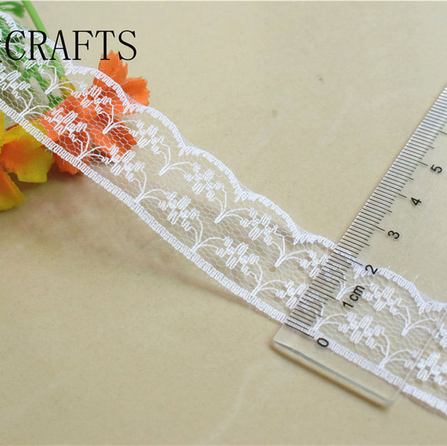 Brand new 10 yards beautiful white lace, DIY crafts/wedding/clothing/lace ribbon gift wrapping and other 38 kinds of accessories