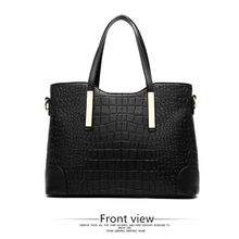 купить 2019 New Crocodile Pattern Big Bag European And American Fashion Tide Trend Ladies Shoulder Bag Mother Bag Two-piece дешево