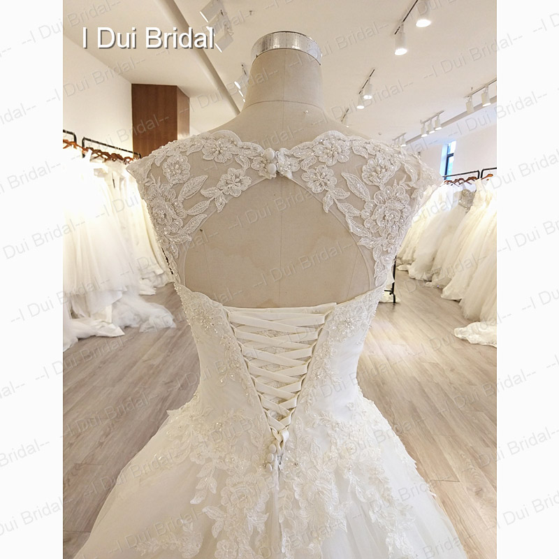Keyhole Back Ball Gown Wedding Dress Tulle Layer Lace Appliqued ...