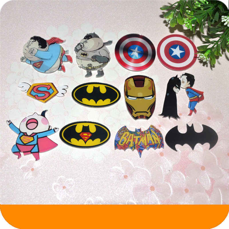 1 Pcs Avengers Batman LOGO Super Man Spiderman Anime Ikon Acrylic Bros Lencana Pin Ransel Pakaian DIY Anak Aksesoris