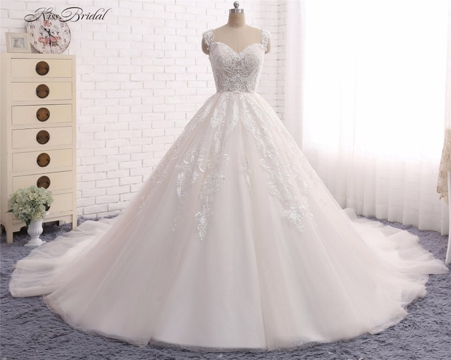 Princess Ball Gown Wedding Dresses Vestido De Noiva 2017 Sweetheart Neckline Lace Liques Tulle Bridal