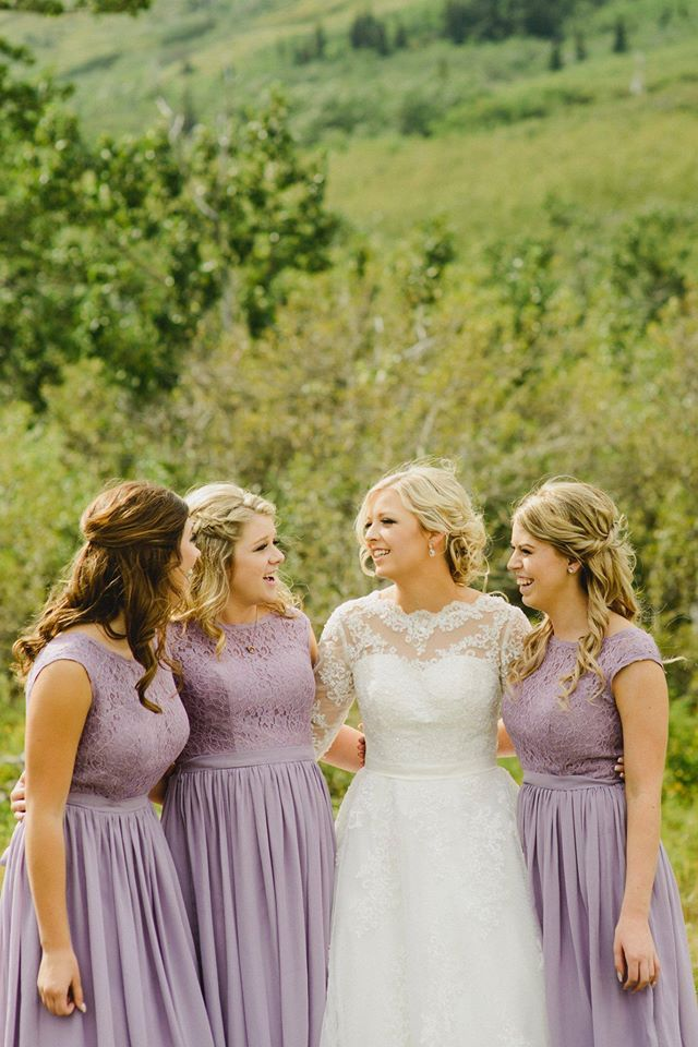 Lilac Long Bridesmaid Dresses 2017 Vintage Lavender Lace Top Cap Sleeve  Graceful Wedding Party Gowns Cheap Maid of Honor Dress-in Bridesmaid  Dresses from ... bfbda916b087