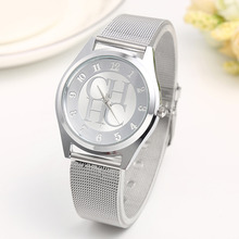 купить New Brand Gold Geneva Casual Quartz Watch Women Metal Mesh Stainless Steel Dress Wrist Watches Relogio Feminino Clock Hot Sale по цене 220.79 рублей