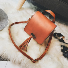 2017 New Women's Bag Autumn Retro Flap Fashion Korea Tassel Shoulder Messenger Bags Diagonal Package 38