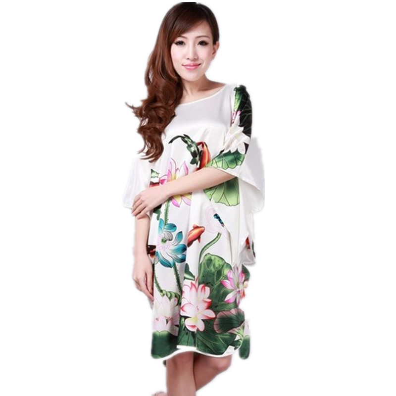 Hot Sale White Ladies Robe Summer Pajamas Chinese Women Rayon Sleepwear Kimono Bath Gown Nightgown Kaftan Yukata One Size M02