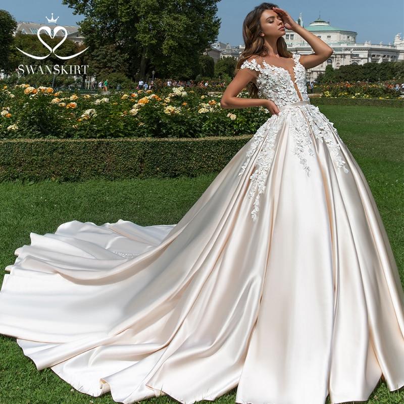 Appliques 3D flowers Wedding Dress 2019 Swanskirt Luxury Ball Gown Sweetheart Satin Bride Gown Princess Vestido de Noiva F196-in Wedding Dresses from Weddings & Events
