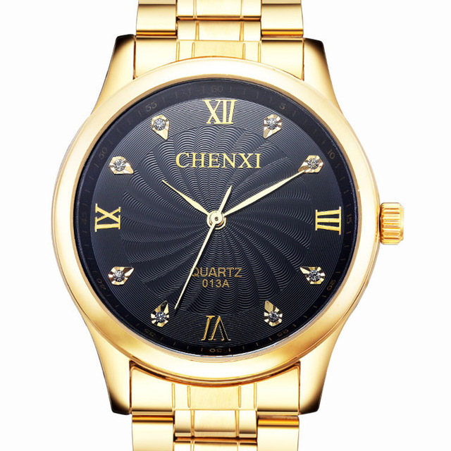 Reloj Analógico de Acero Inoxidable Bañado en Oro