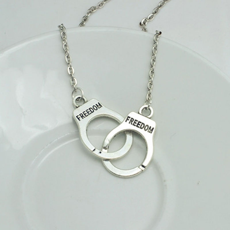 New Fashion Handcuffs Pendant Choker Necklace Women Girl Lover Valentine's Day Gifts Fashion Jewelry