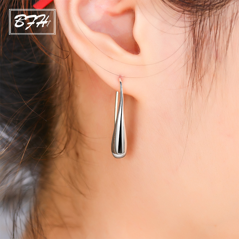 BFH New Hot Fashion Water Drop Earrings for Women Girl Wedding Party Charm Elegant Luxury Silver Earring Jewelry Wholesale Gift